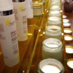 Un véritable bar à texture pour tester et apprécier nos crèmes, les textures, les parfums...