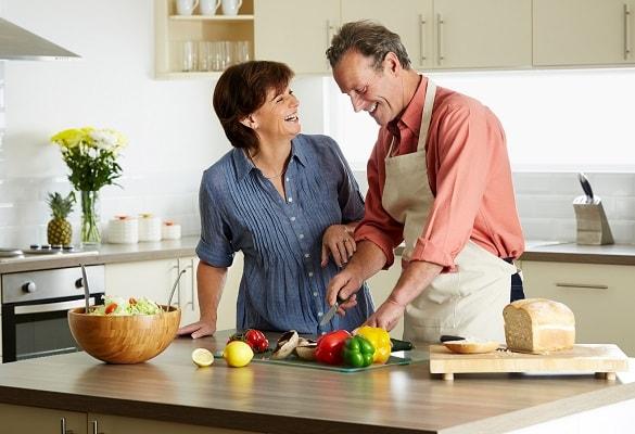 couple-cuisine