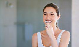 5 astuces pour avoir des dents blanches naturellement