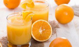 Boire un jus d'orange chaque matin pour faire le plein de vitamine C : simple idée reçue ?