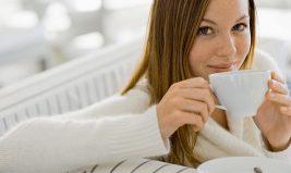 Zoom sur les vertus anti-inflammatoires du thé et du chocolat noir