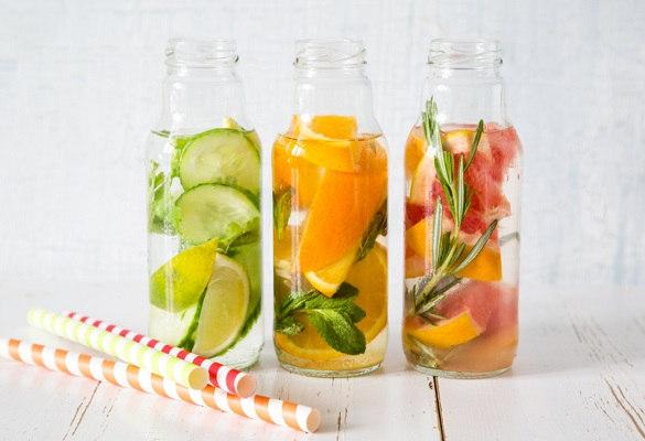 Les eaux détox, quand plaisir et vitamines s'invitent à table