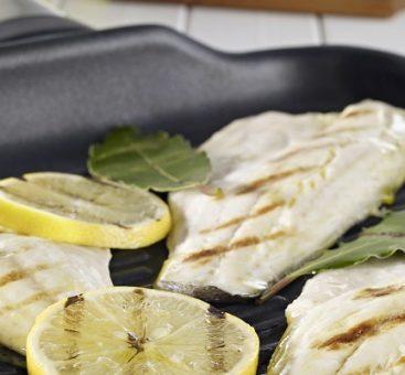 Lotte marinée au curcuma et citron
