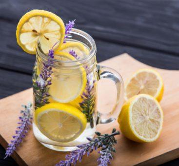 Eau détox citron et lavande