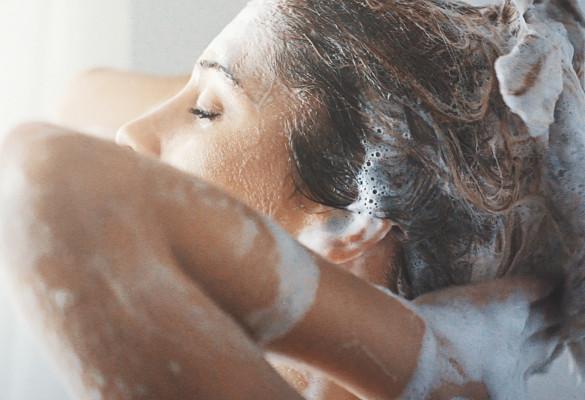 5 astuces écolo sous la douche
