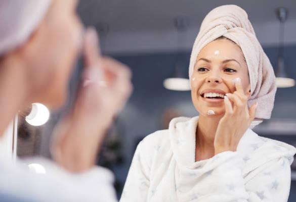 Quels sont les bienfaits de l'acide hyaluronique sur le visage ?